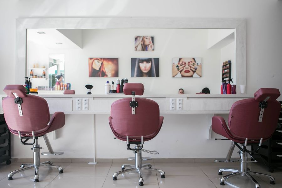 Salons de coiffure et soins personnels / Vers le module d'enregistrement des ventes?